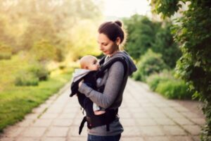 what is the best baby carrier for petitie mom